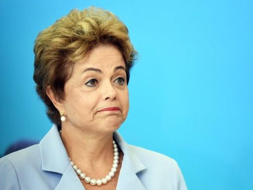 Dilma deixa o Alvorada e segue para Porto Alegre