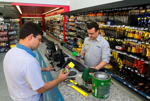 Vendas do varejo caem 0,30% em julho ante junho, revela IBGE