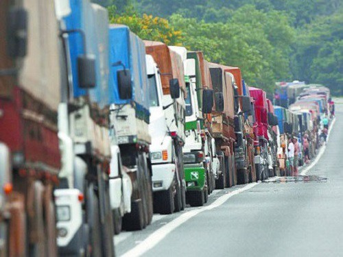 Saiba-o-que-é-verdadeiro-e-falso-na-greve-dos-caminhoneiros