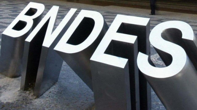 bndes-predio-logo2-20100811-original