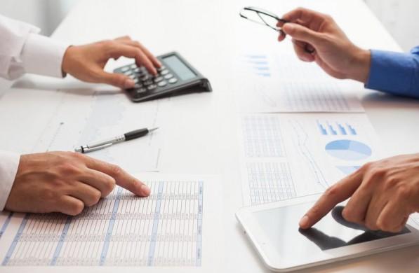 domestica-tu-economia-consejos-para-empresarios-repartir-dividendos_feat