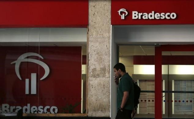 Filial do banco Bradesco no centro do Rio de Janeiro.  20/08/2014   REUTERS/Pilar Olivares