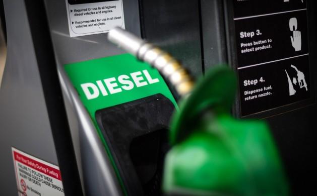 petrobras-anuncia-cartao-caminhoneiro-que-permite-comprar-diesel-com-preco-fixo-e1553606658497