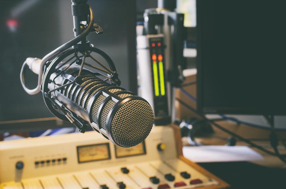 Microphone,In,Radio,Studio